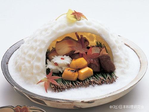 まながつお西京焼、松茸和牛ロース巻、菊蕪、栗みつ煮