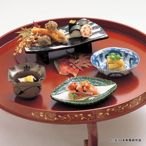 ずわい蟹紅葉和え、子持若布粕漬、鯖棒寿司、松茸香り揚、塩蒸し鮑
