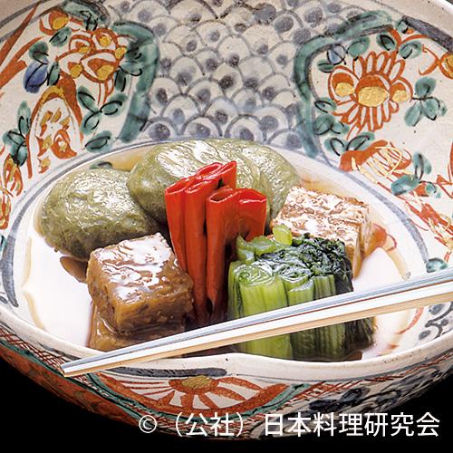肉牛蒡蒟蒻煎り煮、玉葱豆腐厚揚含め煮、山椒麩鰻茶巾包み