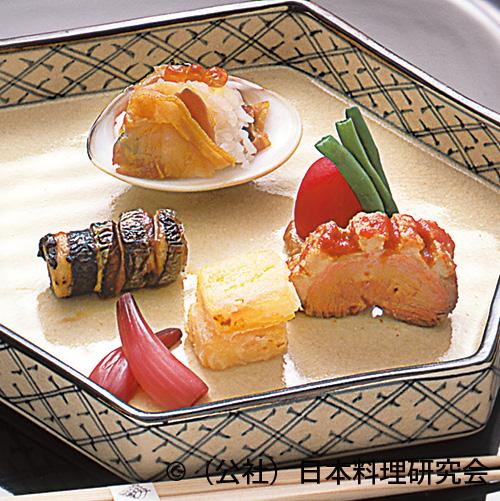 煮蛤飯蒸し、柿紅葉揚、合鴨とまと煮、秋刀魚八幡巻