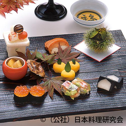 三宝盛り、海老百合根手毬寿司、烏賊手毬寿司等
