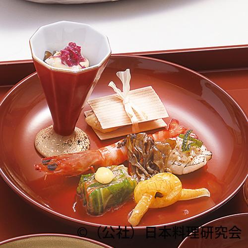 秋刀魚酢〆酒盗餡、木の葉里芋、鯛利休杉板焼等