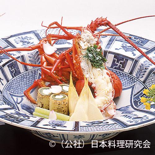 伊勢海老具足煮、白魚蓬麩湯葉巻、筍含ませ、京蕗青煮