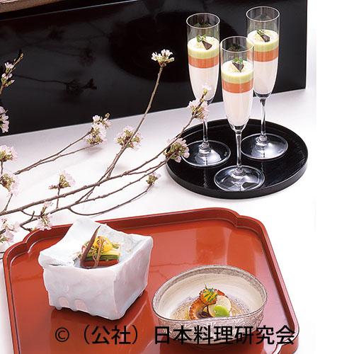 飯蛸桜煮燻し、蛤・山菜黄身酢掛け、三色ムース